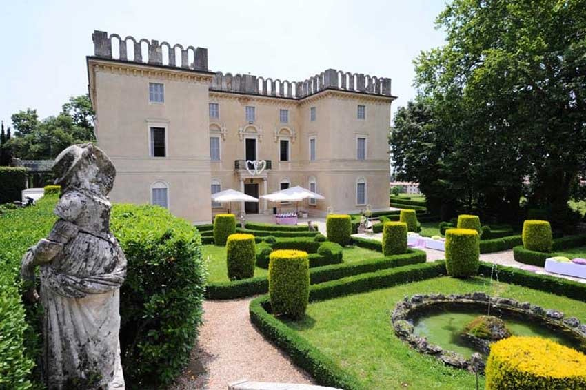 Si conclude a Villa Rizzardi il primo ciclo di incontri dedicati al Paesaggio come patrimonio culturale. La conferenza, con inizio alle ore 18, verrà preceduta alle 16 e 30 dalla visita guidata al giardino: l'ingresso è libero