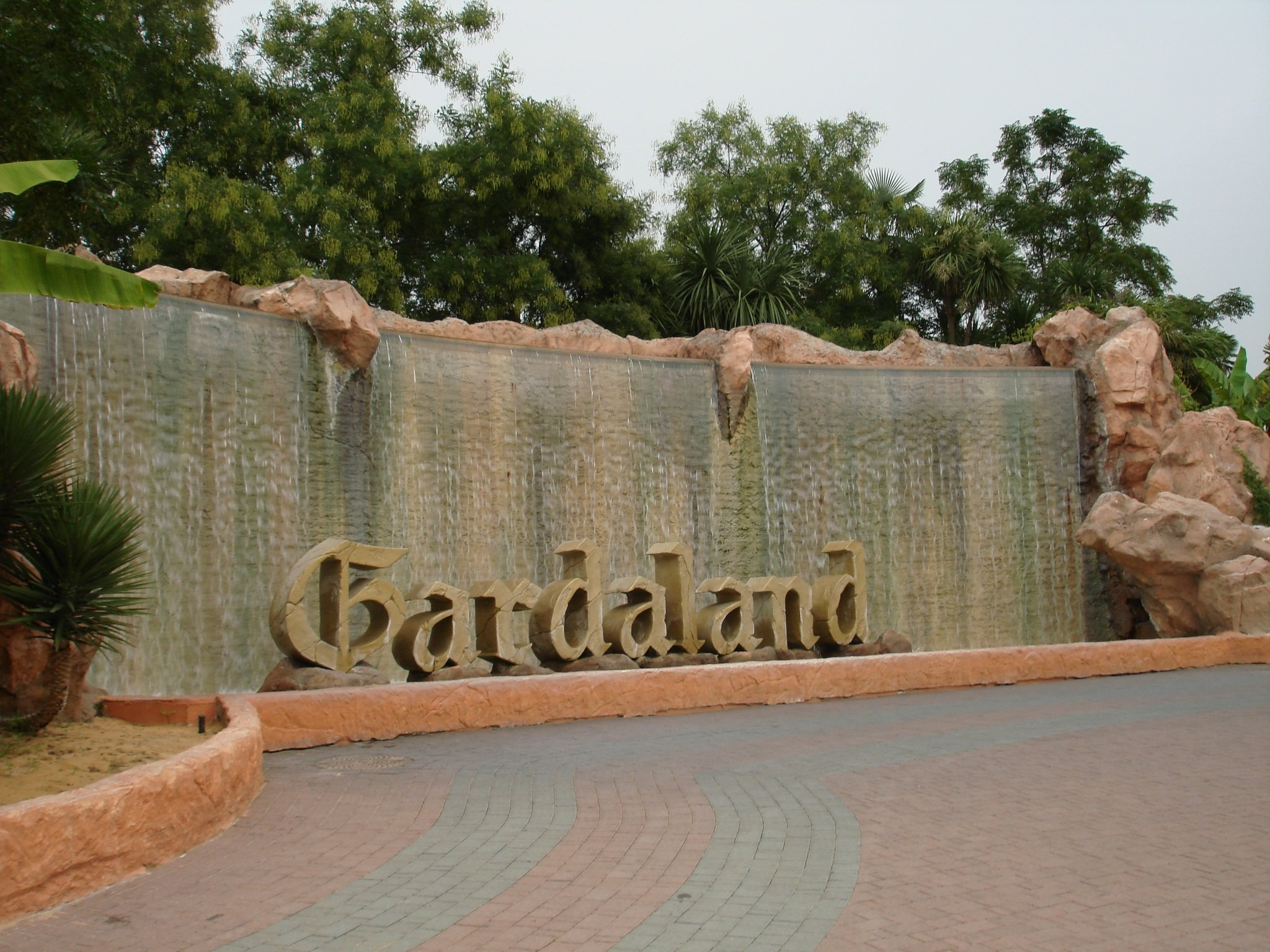 Fontata_Entrata_Gardaland