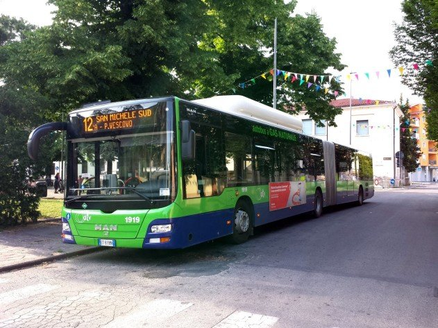 autobus bus trasporto pubblico