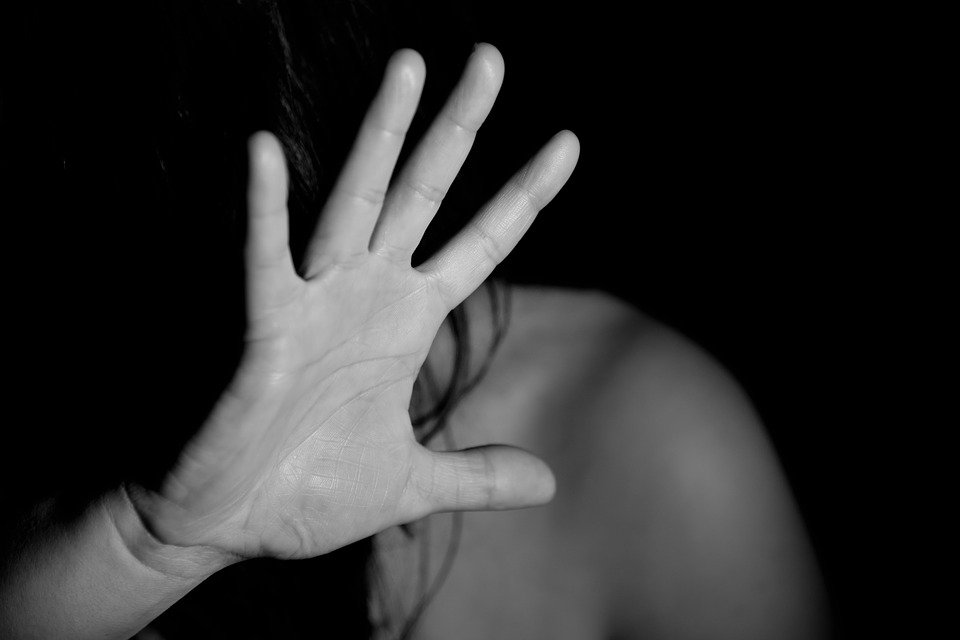 brenzone violenza sessuale