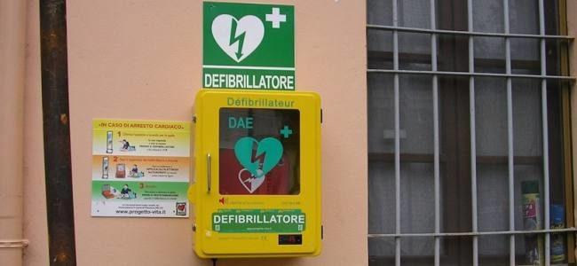 soccorso dai passanti defibrillatore