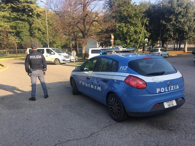 polizia evasione furto