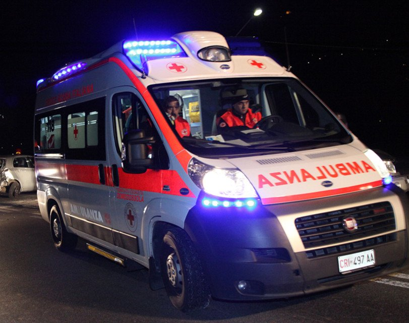 ambulanza incidente san benedetto di lugana