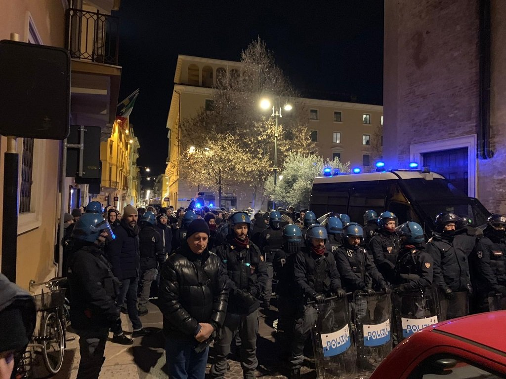 Forza Nuova polizia a San Nicolò Mimmo Lucano