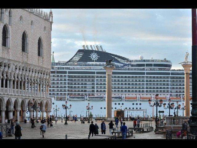 Ministero dei Trasporti, fuori le grandi navi dalla laguna di Venezia