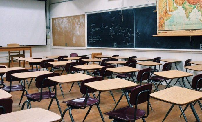 scuola classe lezione