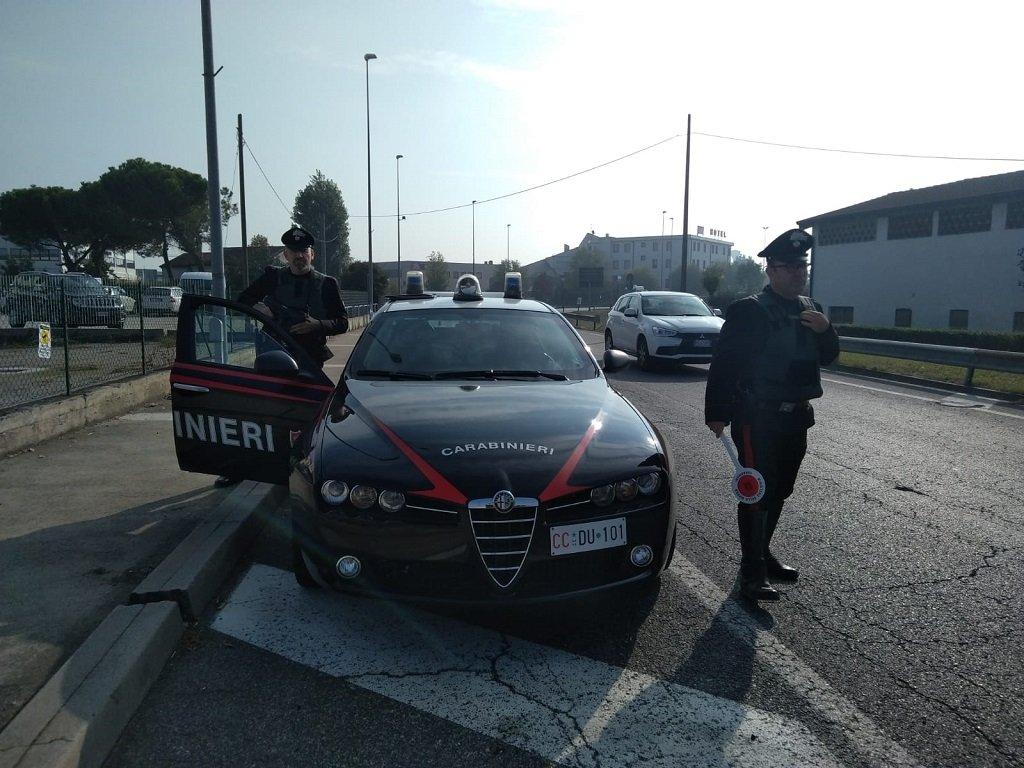 Carabinieri tentato omicidio coltello