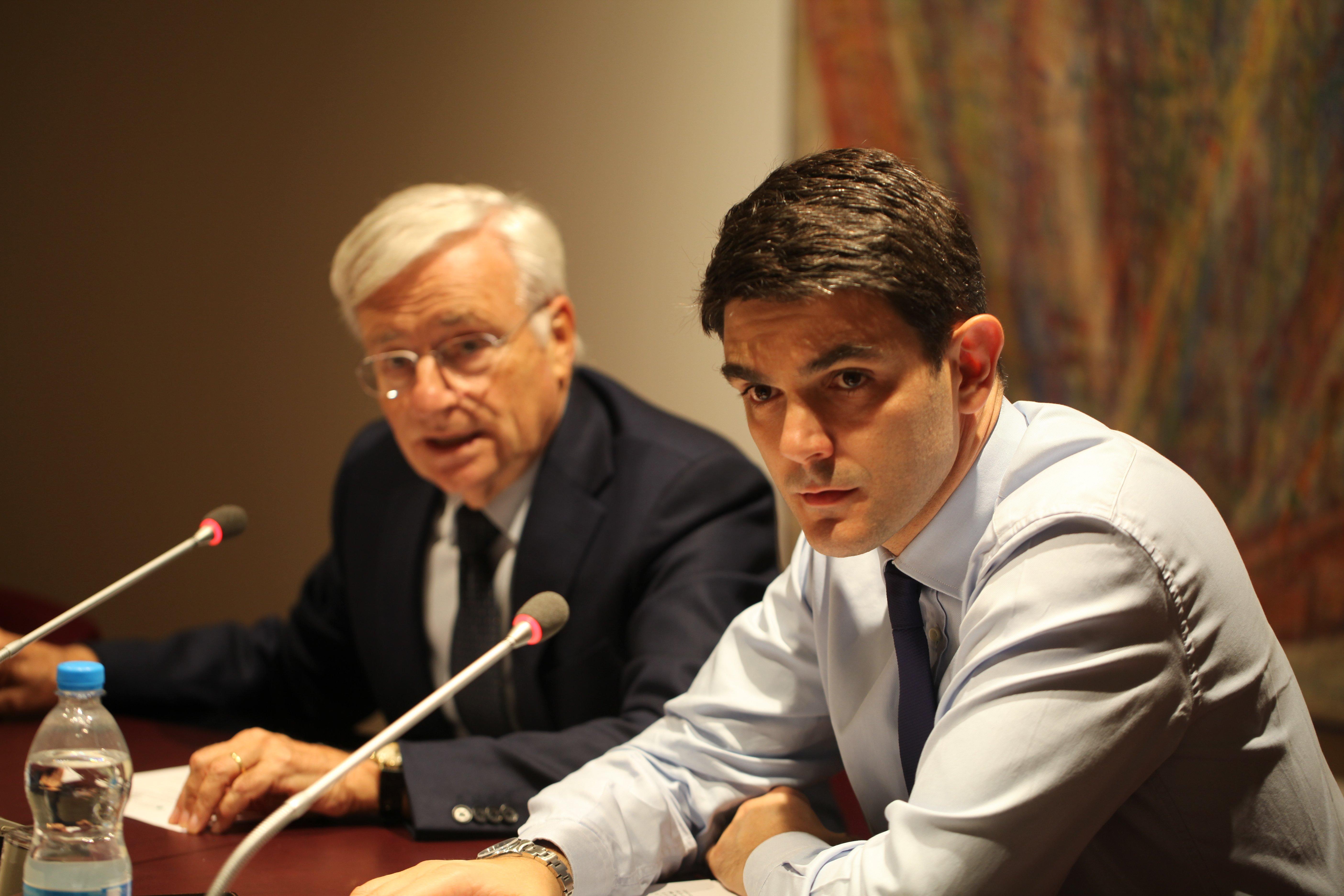 In primo piano l'ex direttore di Fondazione Cariverona Giacomo Marino, alla sua destra il presidente Mazzucco.