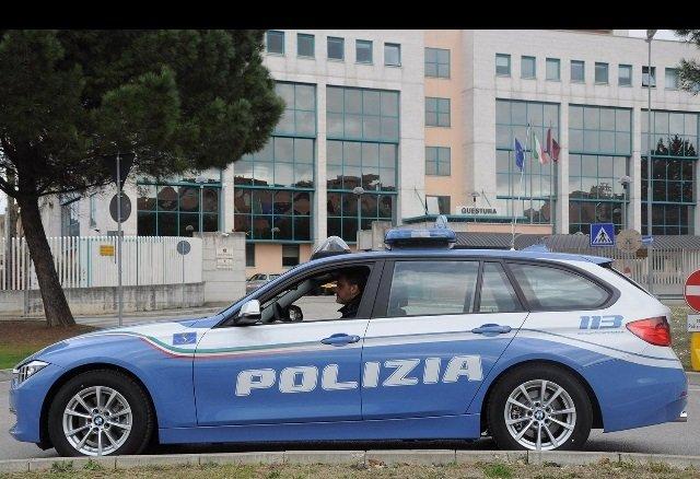 Perugia uccide il vicino auto polizia