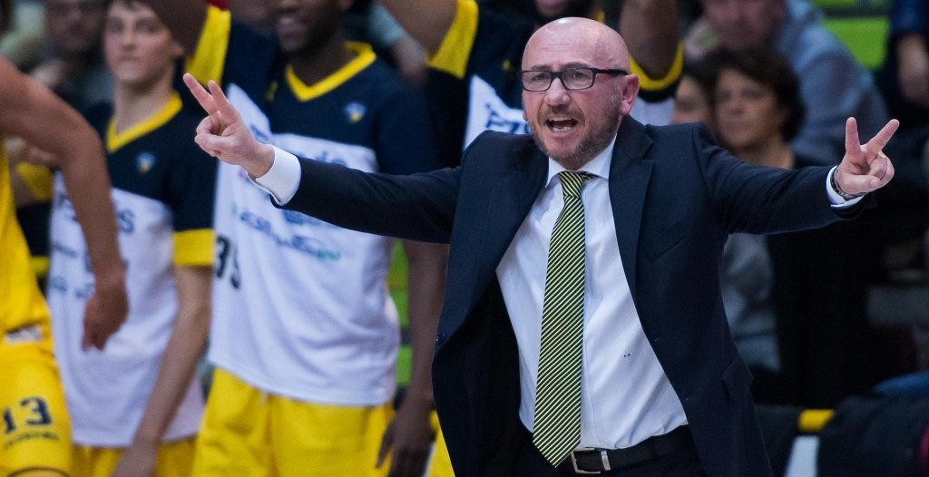 Scaligera Basket Luca Dalmonte Foto Massimo De Marco da pagina Facebook Scaligera Basket Verona esonerato