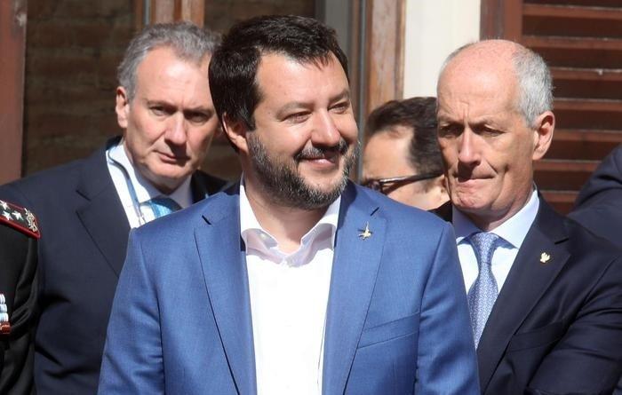 Ministro Salvini migranti indagato