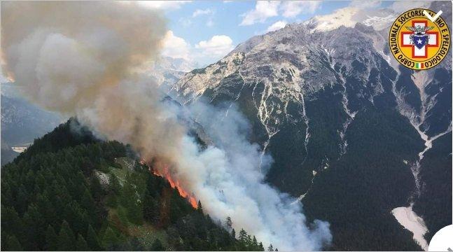 Incendio sopra Cortina