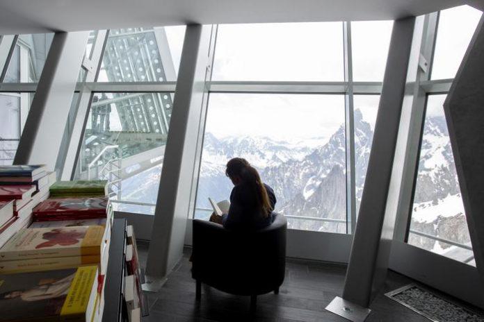 Feltrinelli sul Monte Bianco libreria più alta d'Europa