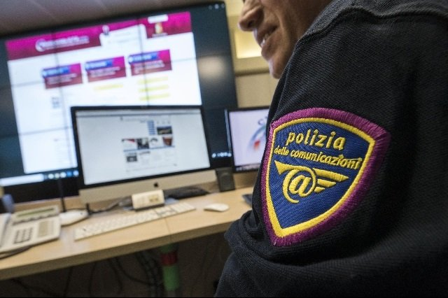 pedofilia online polizia postale
