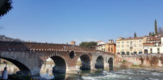 ponte pietra-Verona Minor Hierusalem