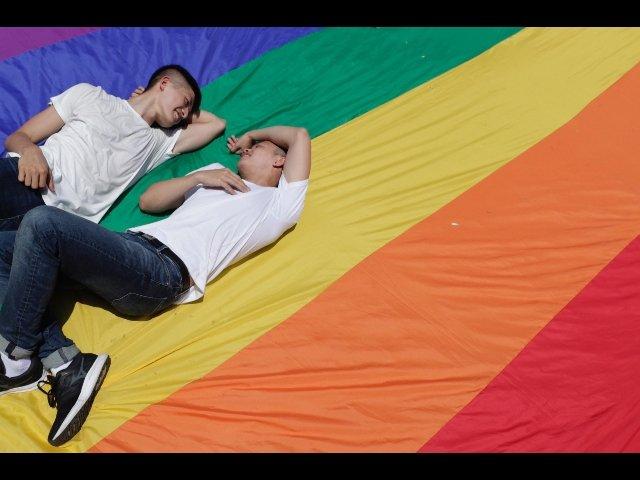 no della consulta a procreazione assistita coppie gay