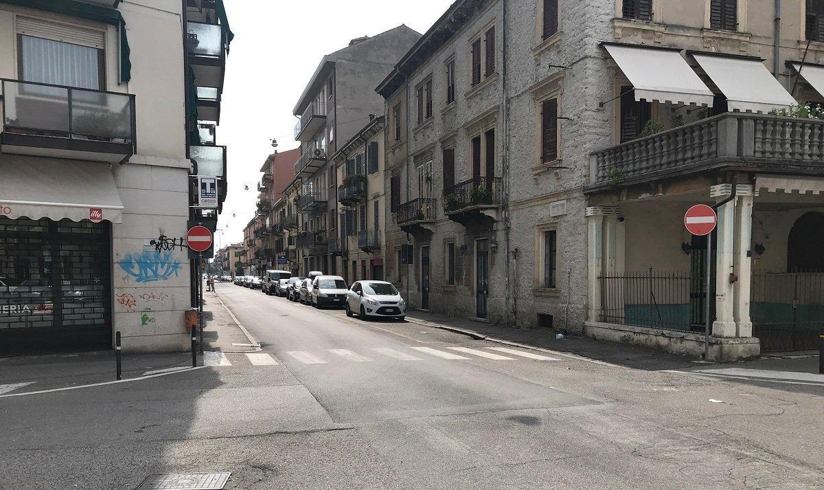 via Pisano - filobus in Borgo Venezia - Filobus