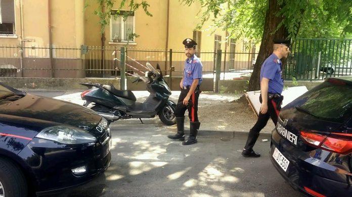 incidente e aggredisce i carabinieri san martino