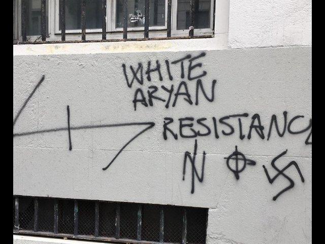scritte omofobe e razziste scuole milano