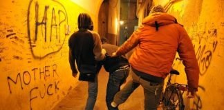 baby gang bologna Rapina a 17enne