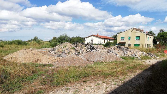 San Massino, discarica abusiva