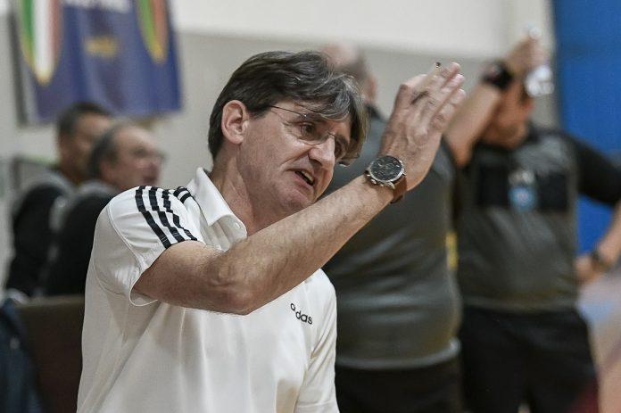 Tiziano De Toni-allenatore Venplast Olimpica Dossobuono-Pallamano A2 Femminile