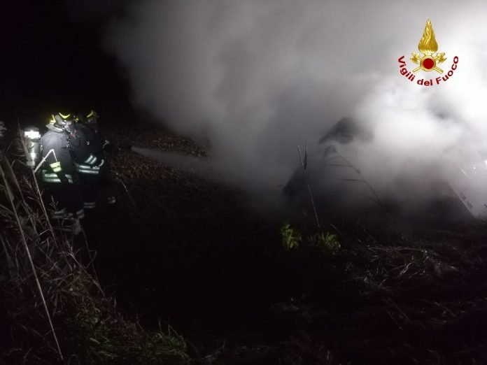 incendio furgone gazzo
