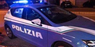 resistenza a pubblico ufficiale-colpisce agenti-polizia