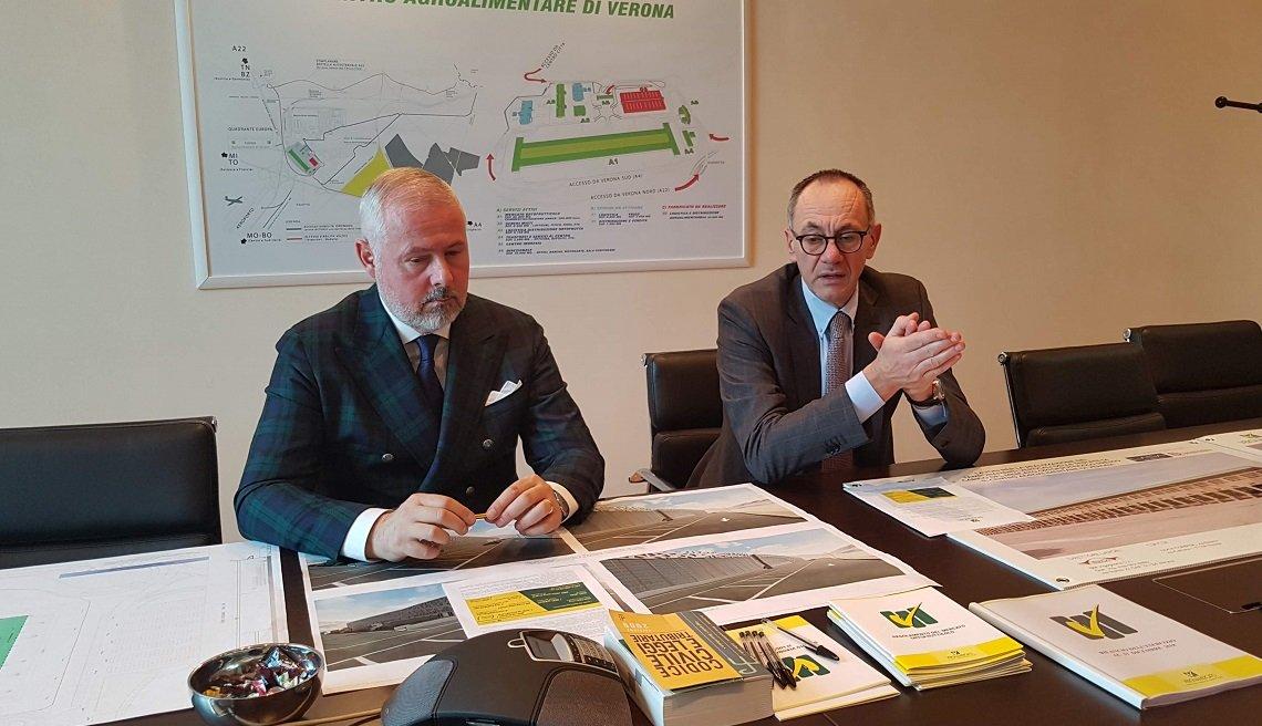 Il presidente di Verona Mercato Andrea Sardelli e il direttore Paolo Merci