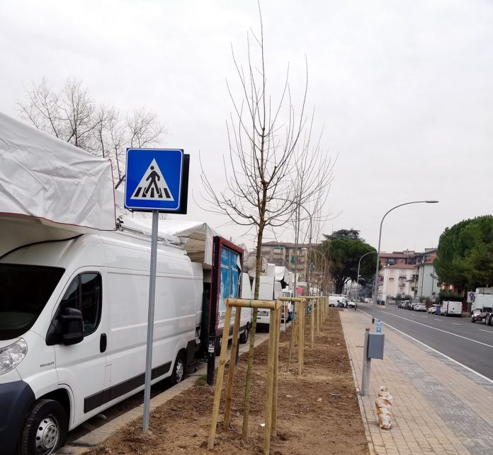 Lavori opera filovia filobus via Frà Giocondo (1)