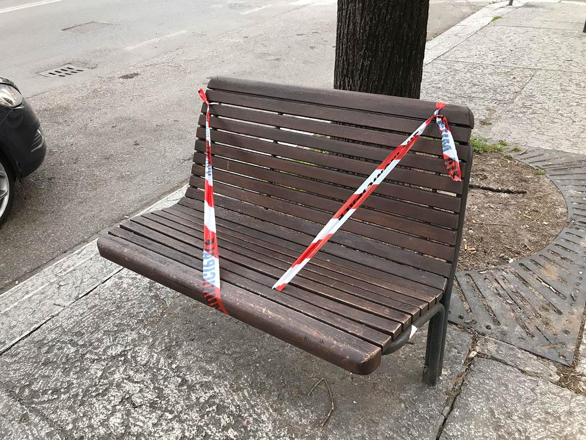 panchina vietato sedersi - ordinanza coronavirus - San Michele Extra Verona avvocato di strada