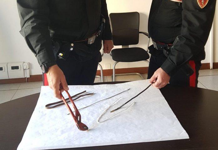Carabinieri attrezzi da scasso