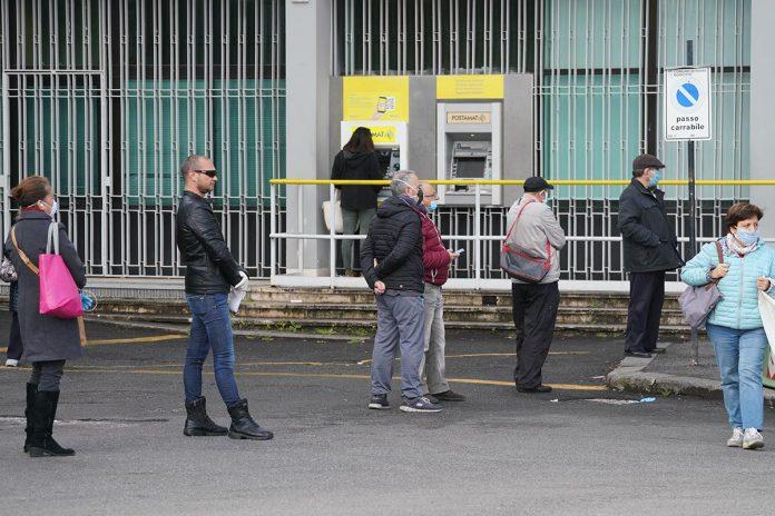IMAGO ECONOMICA 2020 - posta poste ufficio postale postamat pensioni di giugno