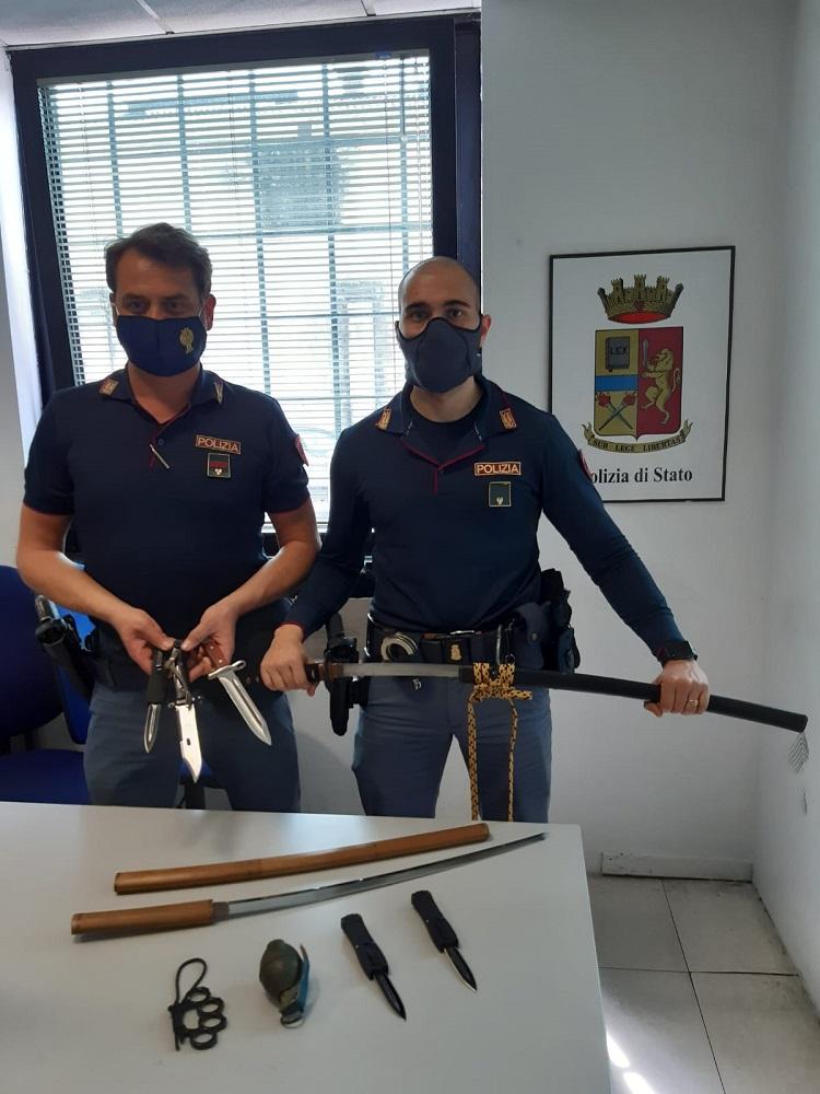 armi illegali katane pugnali granata - polizia