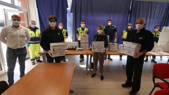 consegna mascherine a protezione civile da Garba Mountainbike