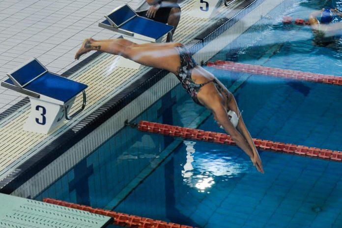 federica pellegrini piscina