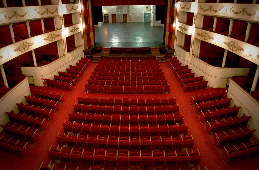 Teatro nuovo Verona riaperture in Veneto