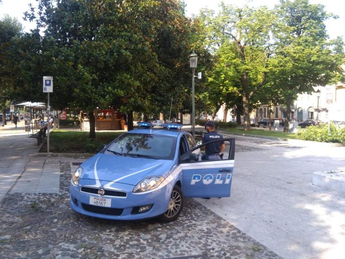 polizia documento falso