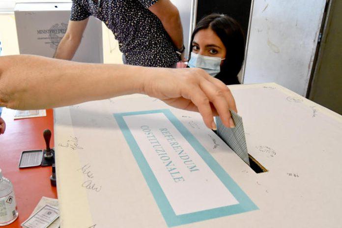 voto elezioni urne