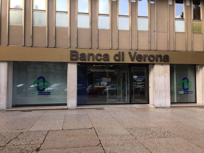 foto insegna Banca di Verona