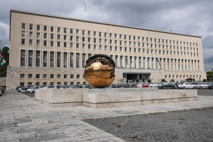 Veduta esterna del palazzo della Farnesina, sede del ministero degli Esteri