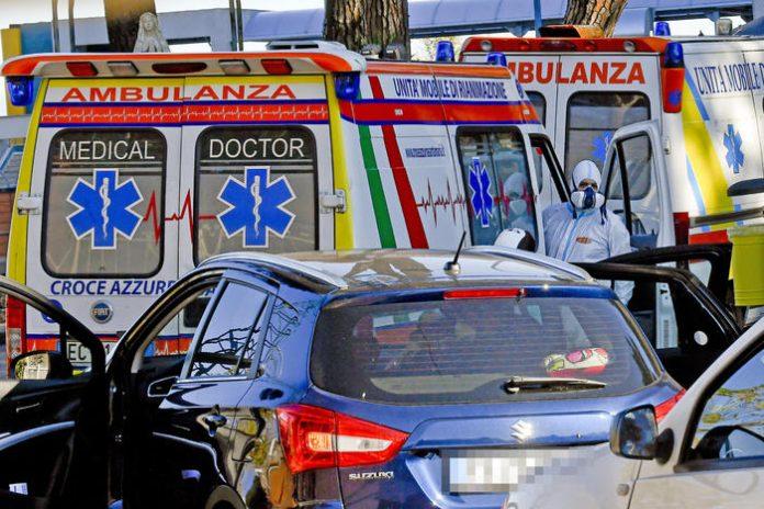 ambulanze napoli covid coronavirus