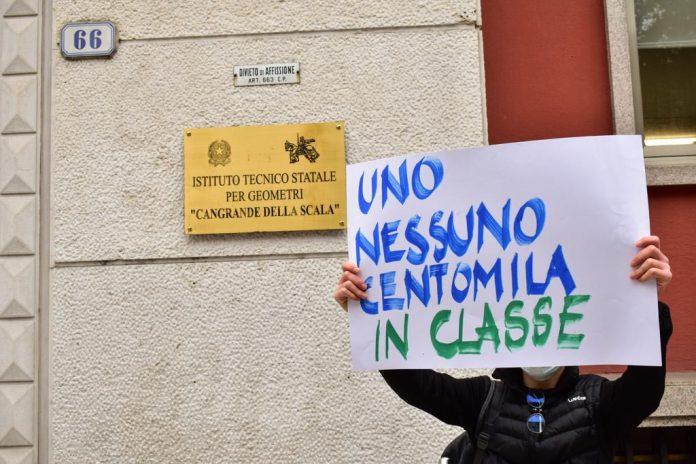studenti e genitori contro la didattica a distanza - scuola - scuole di Verona