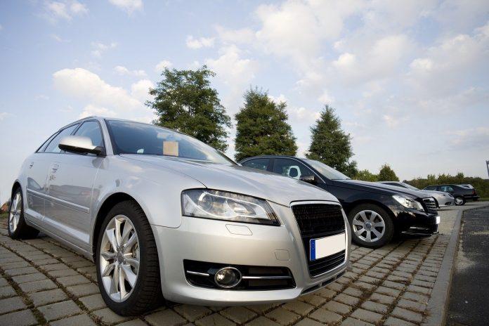 auto automobile macchina immatricolazioni concessionaria veicolo mercato automobilistico motori