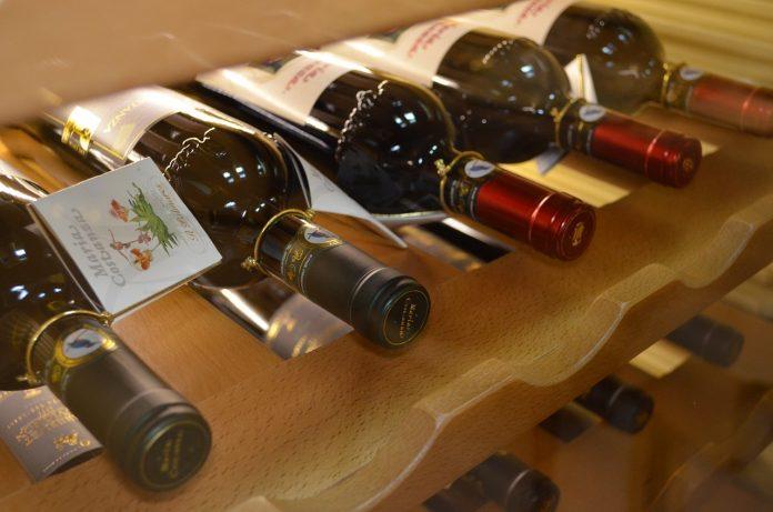 pixabay enoteca vino vendita al dettaglio bottiglie