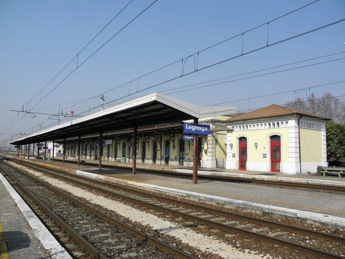 stazione ferroviaria legnago treni treno bar della stazione