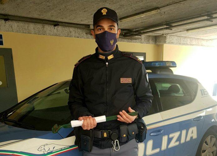 Porto di armi od oggetti atti ad offendere - Denuncia Polizia di Stato