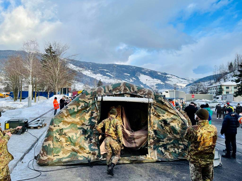 Blocco del Brennero - A22 - Unità Esercito nell'autoporto Sadobre