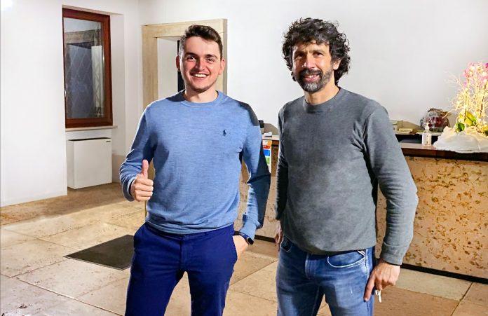 Davide Dal Maso, 25 anni, fondatore del Movimento Etico Digitale e Damiano Tommasi, 46 anni, dirigente della scuola che ha fondato con focus su didattica digitale innovativa.