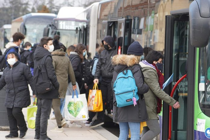 Rientro a scuola - Stazione Porta Nuova - autobus Atv